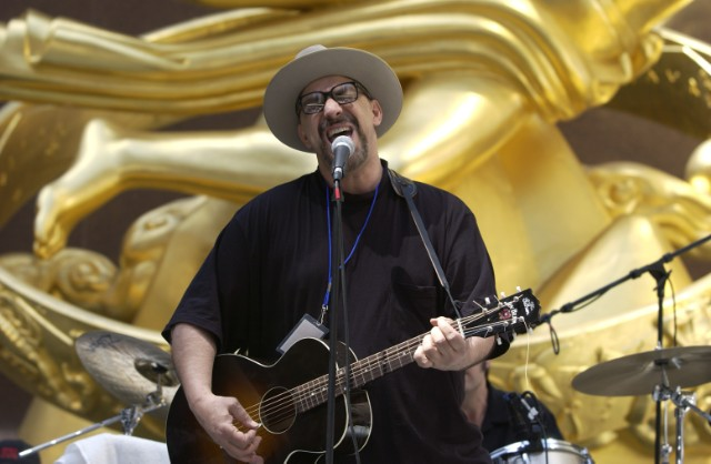 Lead singer of rock's Smithereens, Pat DiNizio, dead at 62