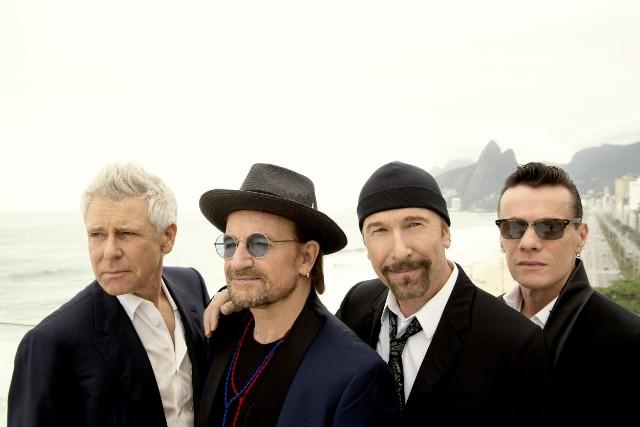 U2-Helena-Christensen--1512658489