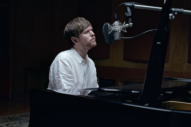 "James Blake – ""Vincent"" (Don Mclean Cover)"
