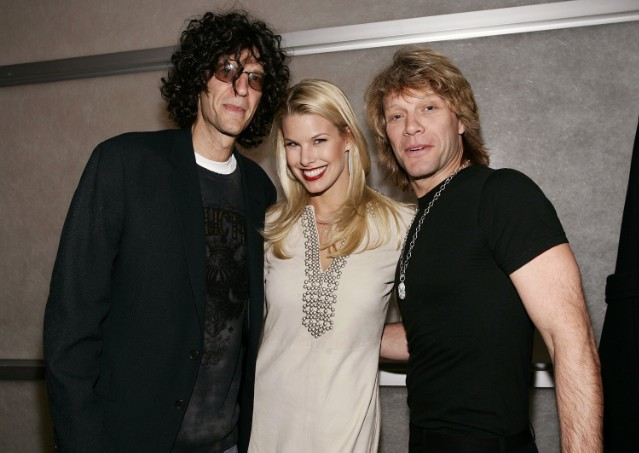Howard Stern to induct Bon Jovi into Rock Hall in Cleveland