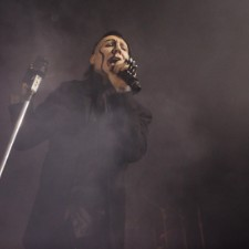 Beleaguered Marilyn Manson Returns To Stage