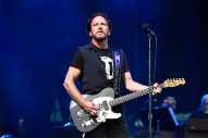 "Pearl Jam Dedicate Live Debut Of ""Can't Deny Me"" To Parkland Students, ""Come Back"" To Chris Cornell At Chile Concert"