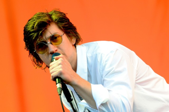 The First Lyric In Arctic Monkeys' New Album Is About The Strokes