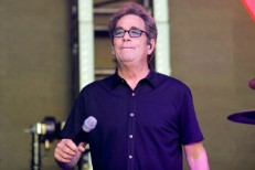 huey-lewis-live-oct-2017-a-billboard-1548-1523649039