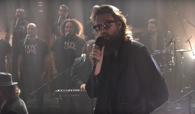Father-John-Misty-on-The-Tonight-Show