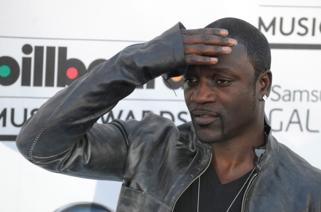 Akon Defends Bill Cosby, Calls him a 'Hero'