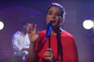 Watch Jessie Ware&#8217;s Lovely, Luxuriant <em>Seth Meyers</em> Performance
