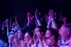 live-show-crowd