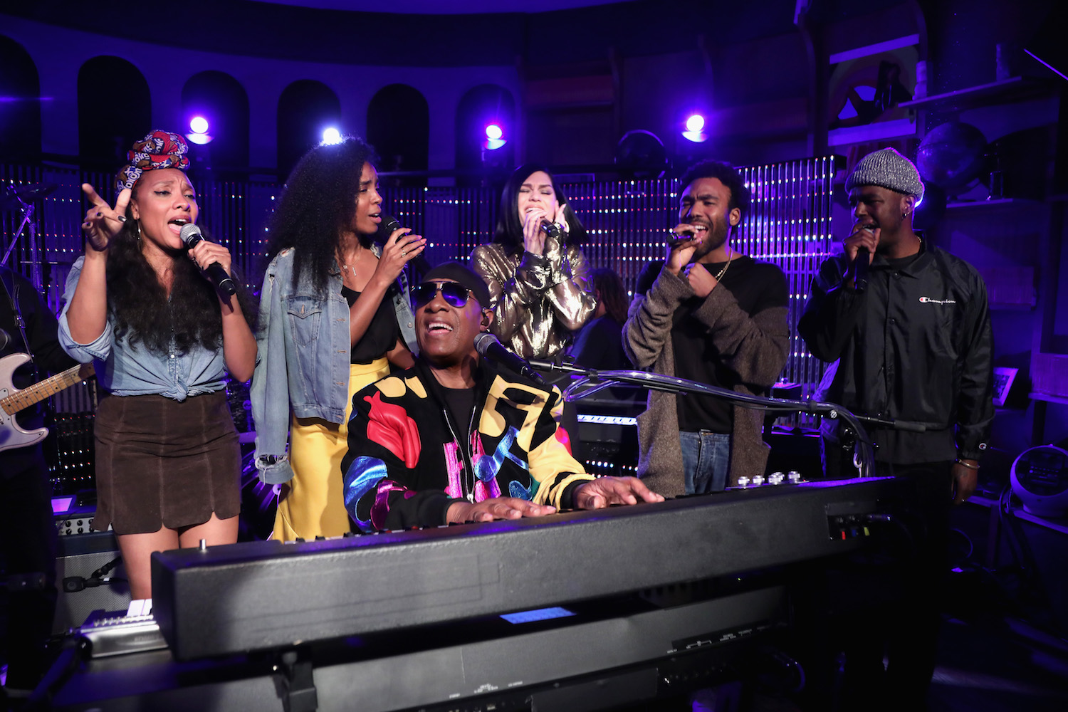"Watch Stevie Wonder & Donald Glover Perform ""Superstition"" With Kelly Rowland & Jessie J"