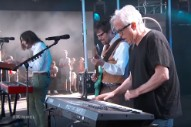"""Watch Weezer Cover """"Africa"""" With Toto's Steve Porcaro On <em>Jimmy Kimmel</em>"""