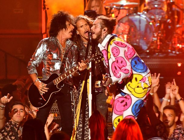 Vmas 2018 Watch Aerosmith Join Post Malone Amp 21 Savage