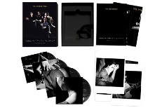 The-Cranberries-Everybody-Else-Is-Doing-It-Exp-Packshot-web-optimised-1000-1535682790