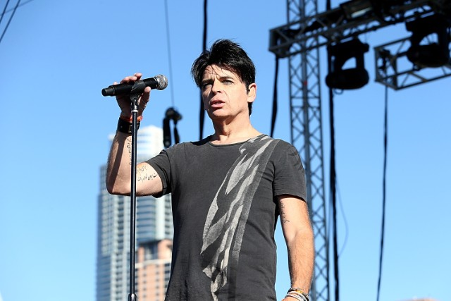 Singer Gary Numan's tour bus involved in fatal crash