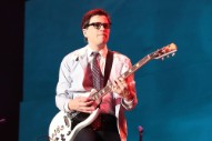 """Watch Weezer Cover """"All The Small Things"""" As Blink-182's Replacement At Riot Fest"""