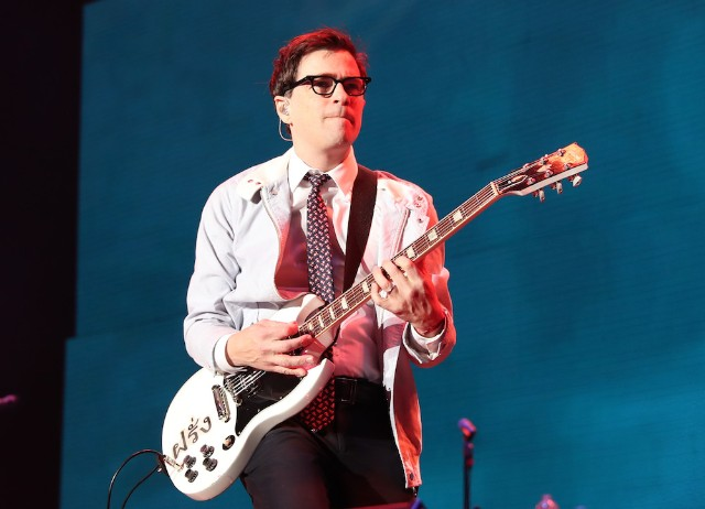 """Weezer Covers Blink-182's """"All..."""