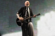billy-corgan-zane-low-darcy-1537212533-640x428-1537220188