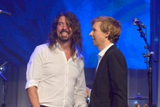 Dave-Grohl-and-Beck