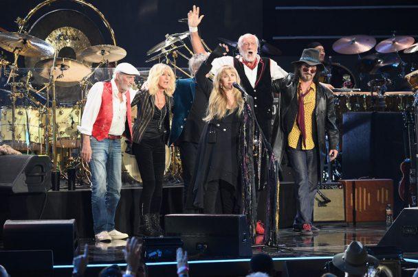 Fleetwood Mac Cover Tom Petty S Quot Free Fallin Quot At Tour