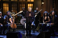 Watch Paul Simon&#8217;s Record-Breaking 9th <em>SNL</em> Performance