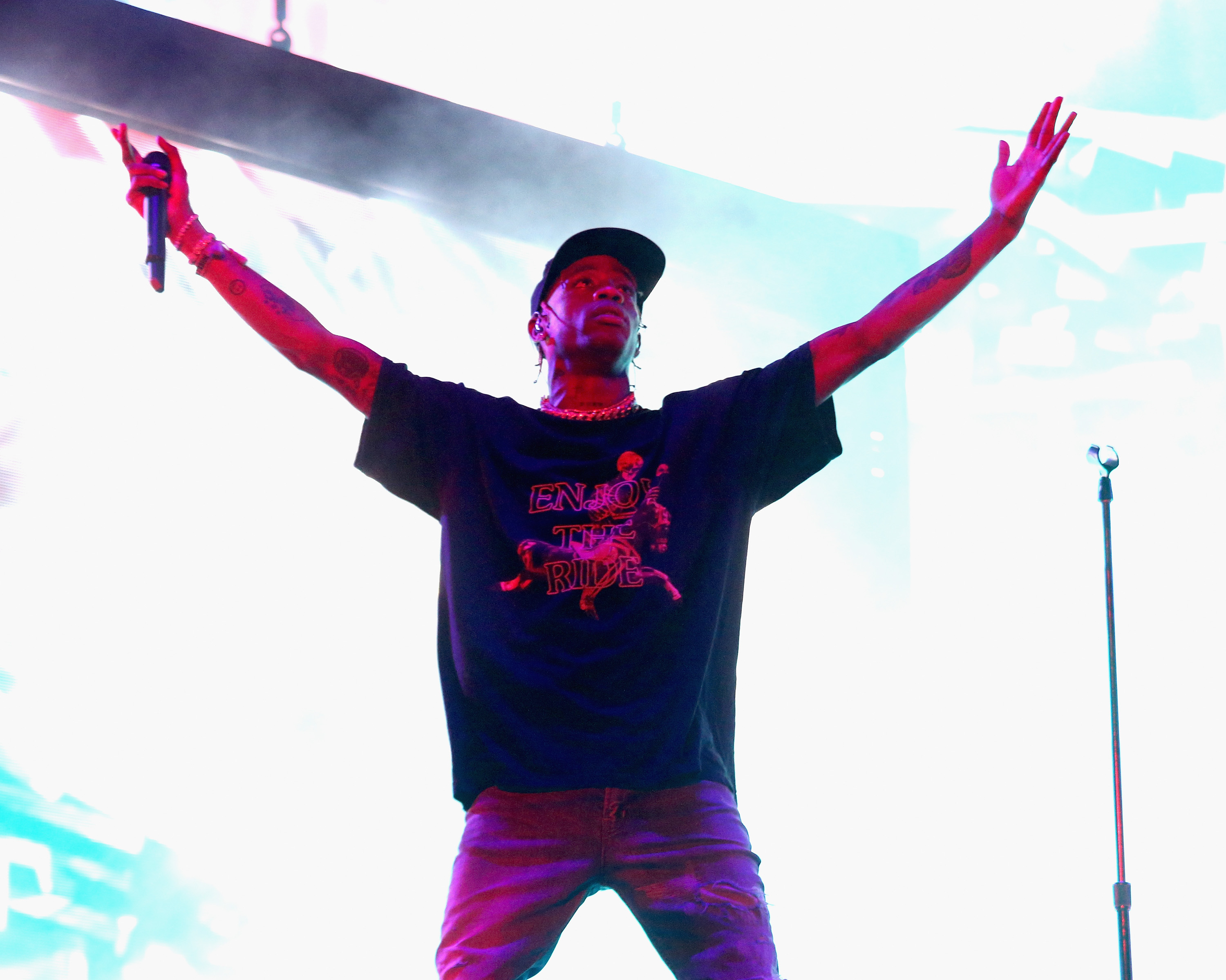 d942d9469d5e Travis Scott To Replace Childish Gambino At Voodoo Fest
