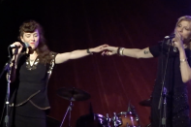 Watch Courtney Love & Melissa Auf Der Maur Perform Hole Songs In Hudson