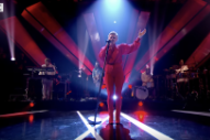 Watch Robyn Perform On <em>Jools Holland</em>
