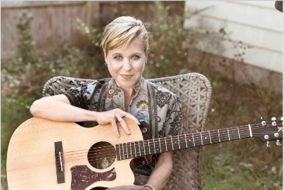 Throwing Muses' Kristin Hersh On Disassociation, Accessing Lost Memories, And Possible Dust Clouds
