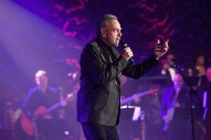 Neil Diamond Sings The Plot Of Dumb Jason Biggs Movie <em>Saving Silverman</em> In Unearthed Theme Song