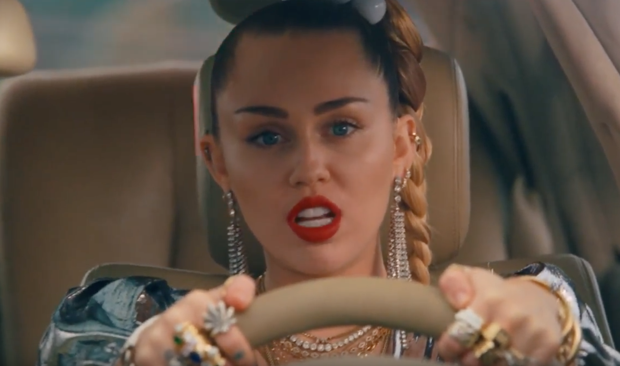 Mark Ronson & Miley Cyrus Team Up On New Song: Listen - Stereogum