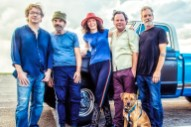 Edie Brickell On Reuniting With The New Bohemians &#038; 30 Years Of <i>Shooting Rubberbands At The Stars</i>