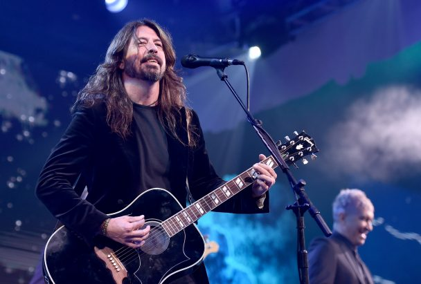 Dave Grohl Debuts 'Play' Live At Warren Haynes's Christmas Jam: Watch