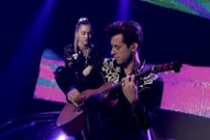 Watch Mark Ronson &#038; Miley Cyrus Perform &#8220;Nothing Breaks Like A Heart&#8221; Live For The First Time On <i>The Graham Norton Show</i>