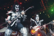 Gene-Simmons-and-Ace-Frehley