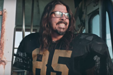 Watch Foo Fighters As Terrible Football Players In A Promo For Their Super Bowl Weekend Concert