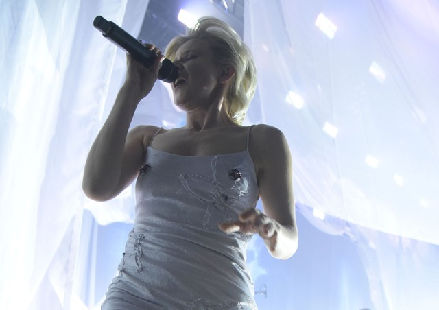 Robyn Tour Review