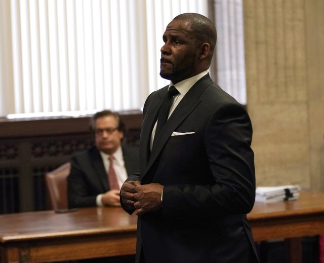 R. Kelly's Former Hairstylist Details Alleged Sexual Abuse In New On-Air Interview