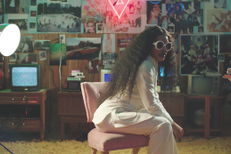 teyana-taylor-issues-hold-on-video-1552678991