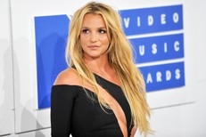 britney-spears-mtv-vmas-2016-b-billboard-4-1548-1555987977