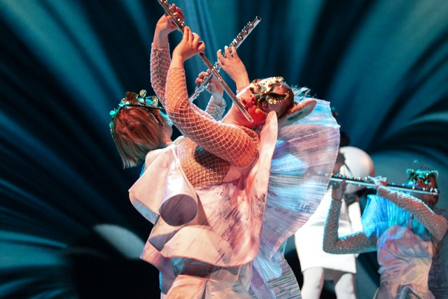 Björk 'Cornucopia' Review: A Sensory Feast Comes To The Shed - Stereogum