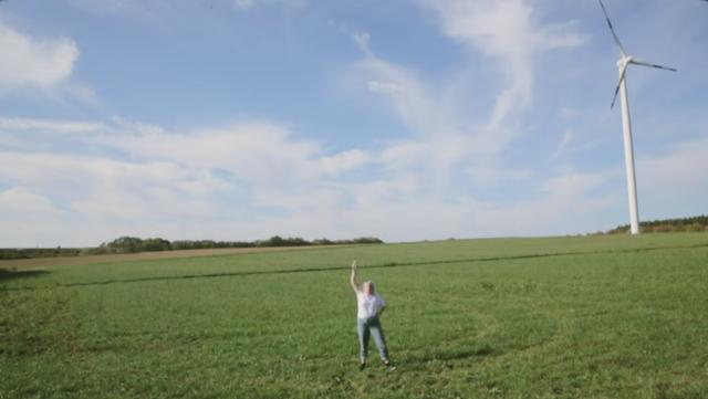 """Penelope Isles - """"Leipzig"""" Video"""