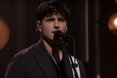 Vampire-Weekend-on-Fallon