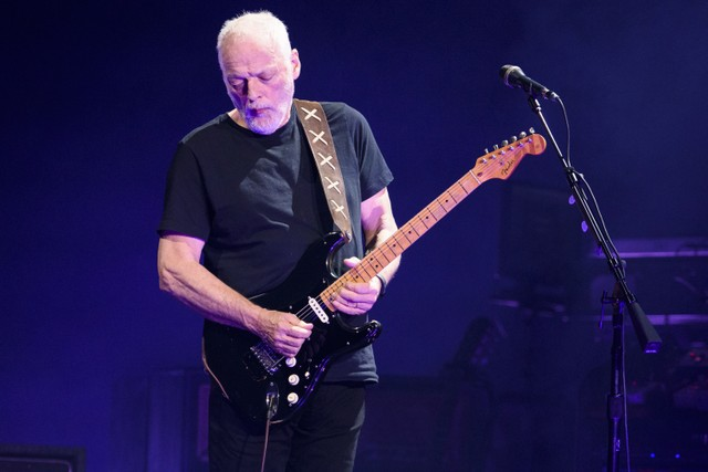David-Gilmour-black-strat