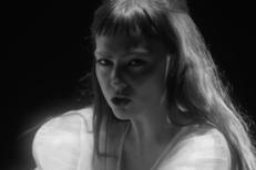 "Angel Olsen - ""All Mirrors"" Video"