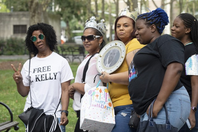 R. Kelly supporters gathered outside the courthouse