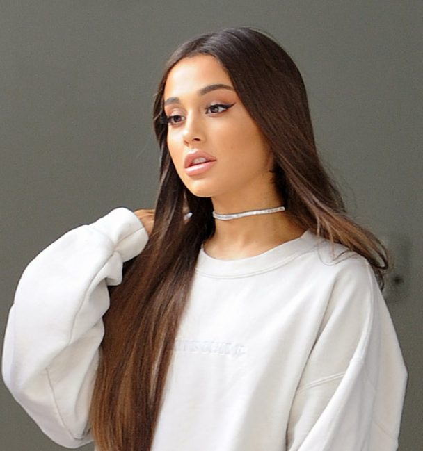 ariana grande sues forever 21 for 10m stereogum