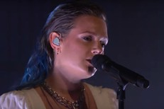 Tove-Lo-on-Seth-Meyers