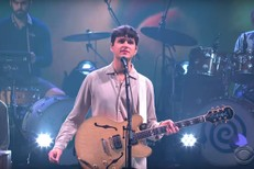 Vampire-Weekend-on-Colbert