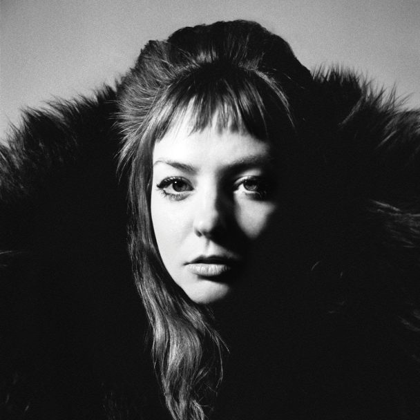 Premature Evaluation: Angel Olsen All Mirrors