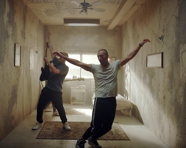 Coldplay-Orphans-video