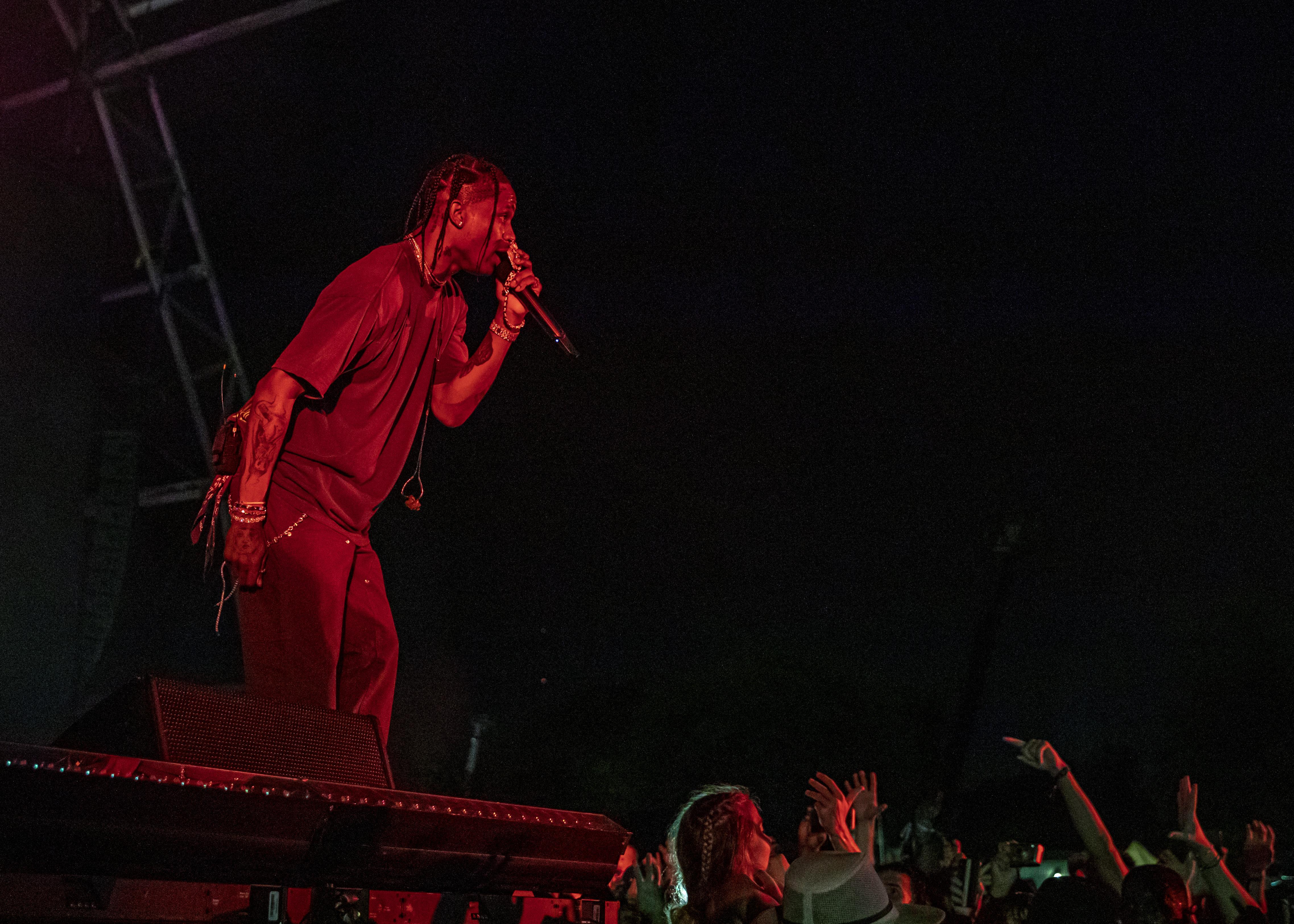Fans Injured In Stampede At Travis Scott S Astroworld Festival